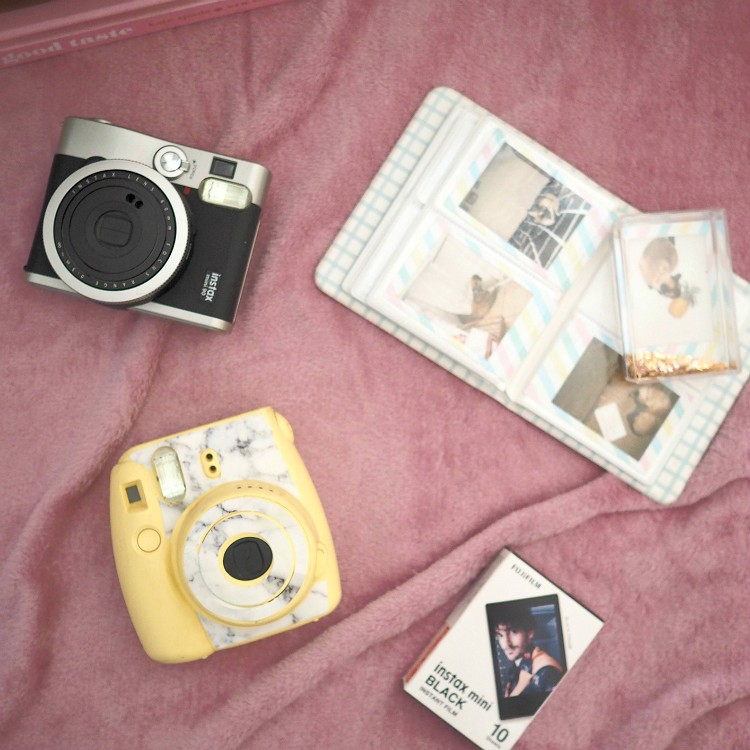 המדריך לבחירת מצלמות פולארויד במגזין Fashion Tails Luba Shraga