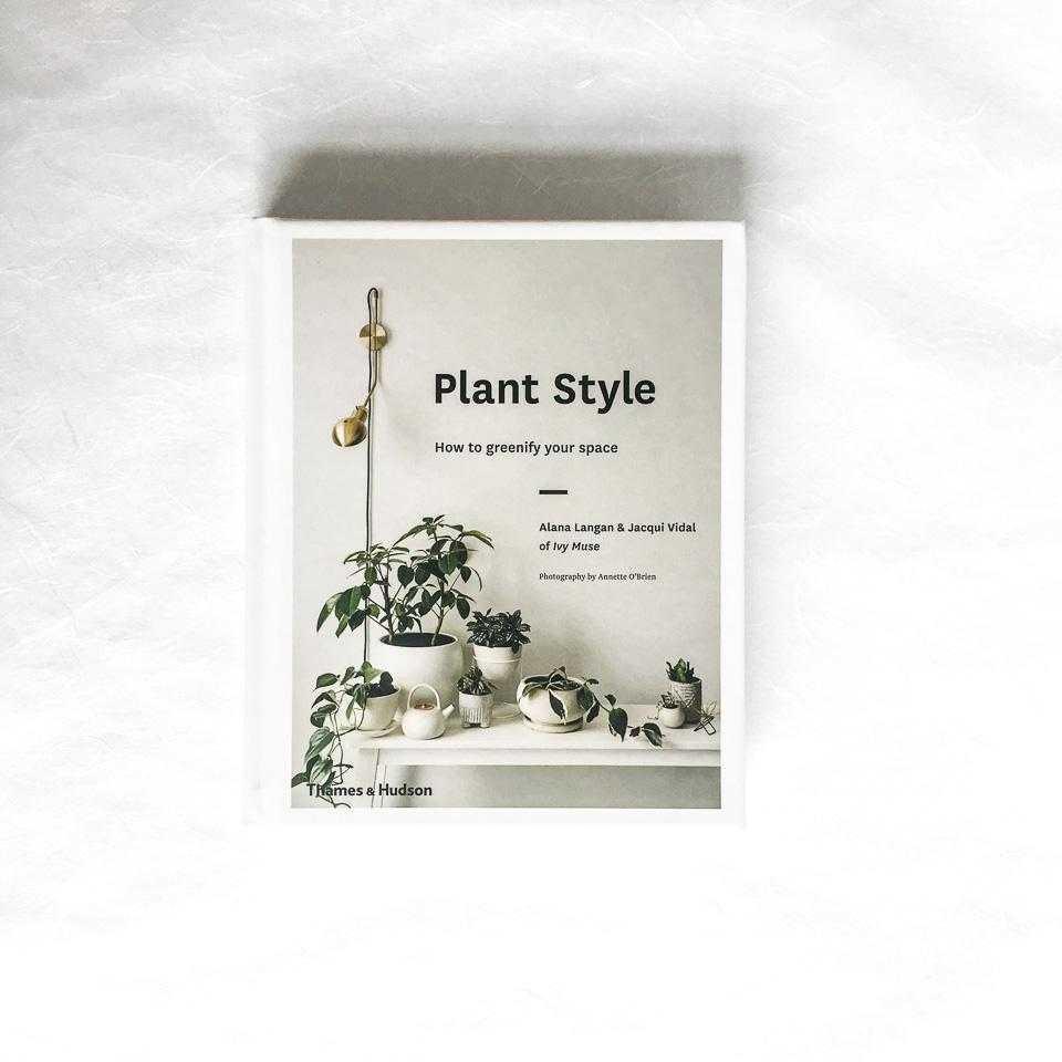 ספרים על קקטוסים, סוקולנטים, עציצים וצמחים Fashion Tails Luba Shraga